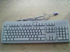 TOSHIBA 124079-002 Keyboard...