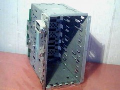 HP D8520-63003 DRIVE CAGE...